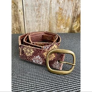 FOSSIL brown leather gold/silver floral print belt